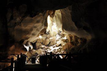 sarawak-borneo-kuching-bau-wind-cave